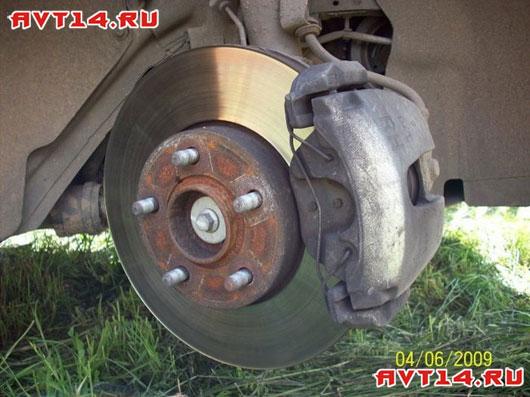 Замена передних колодок на форд фокусе 2 видео